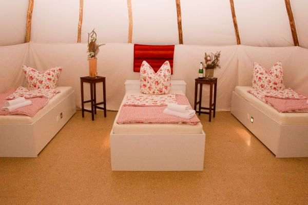 INDOOR Tipi-Hotel